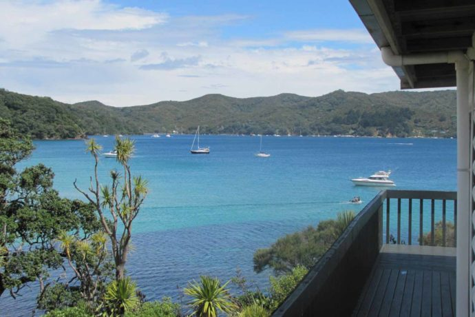 Barrier Island Self Contained Two Bedroom Unit With Beach Sea Views