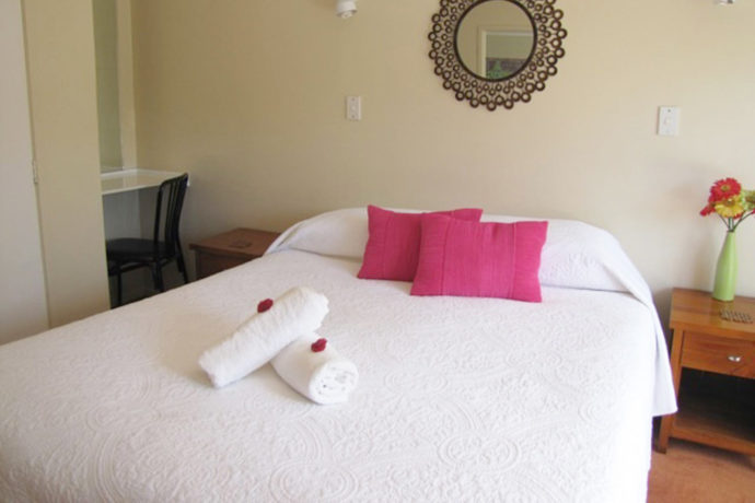 King Bed Accommodation, Single Room